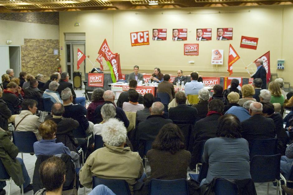Foule au meeting-débat départemental du Front de gauche sur le thème de la construction d'une nouvelle Europe - Villers-Saint-Paul, 11 avril 2012